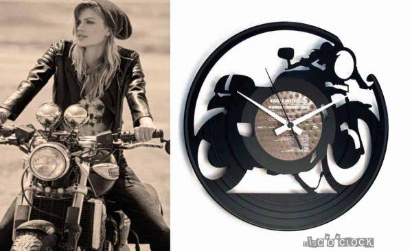 orologio da parete con disco in vinile con moto cafe racer