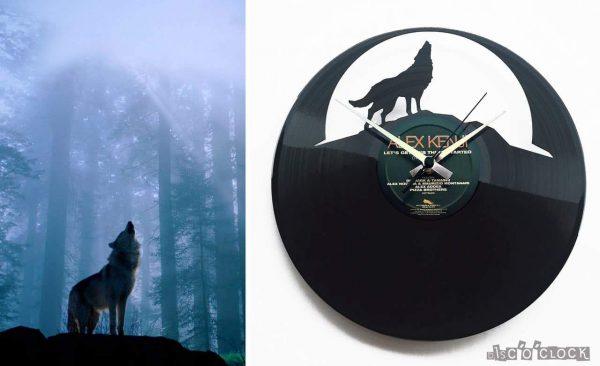 orologio da parete con disco in vinile con lupo e luna