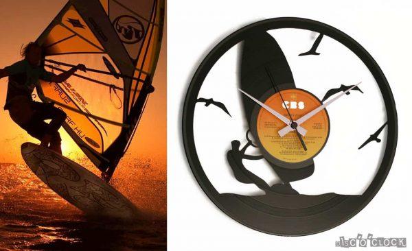 orologio da parete con disco in vinile e wind surfer