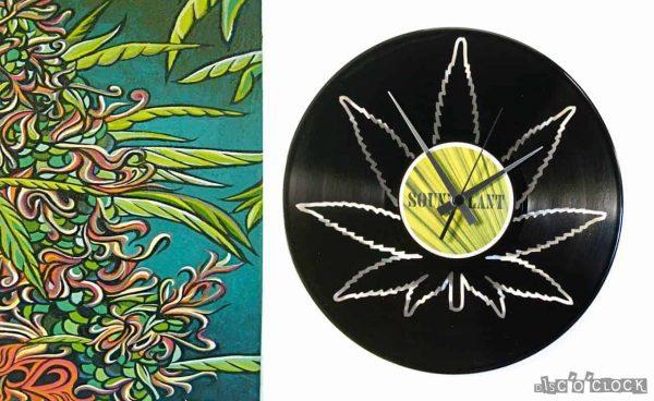 Orologio da parete con disco in vinile con foglia di marihuana